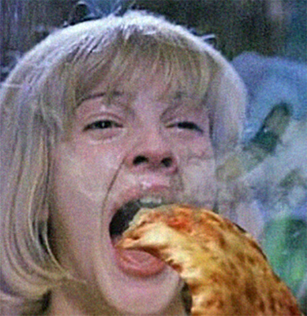 Photoshopping-Horror-Movie-Screams-With-Pizza