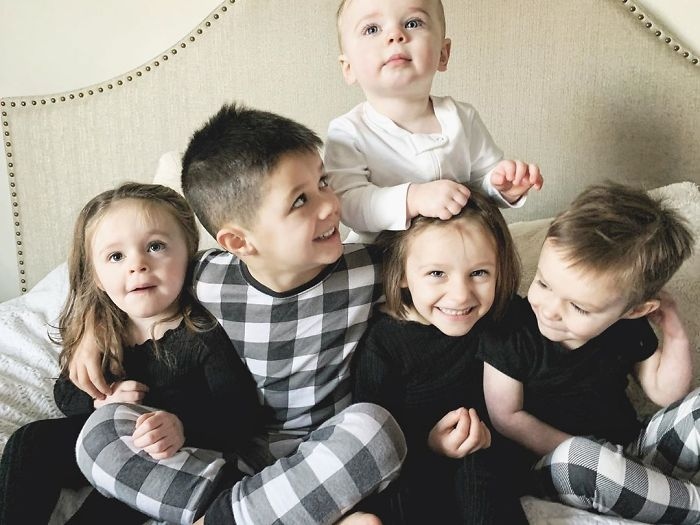 """It is Undoubtedly Chaotic And It is Undoubtedly Lovely"": Couple Finds Out They're Anticipating Quadruplets Quickly After Adopting 4 Siblings"