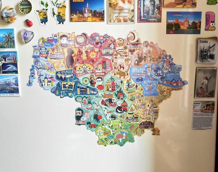 Litvanya, Yerel Turizmi Arttırmak İçin Sadece İlgili Şehirlerde Bulabileceğiniz Mıknatıslı Bir Harita Yaptı