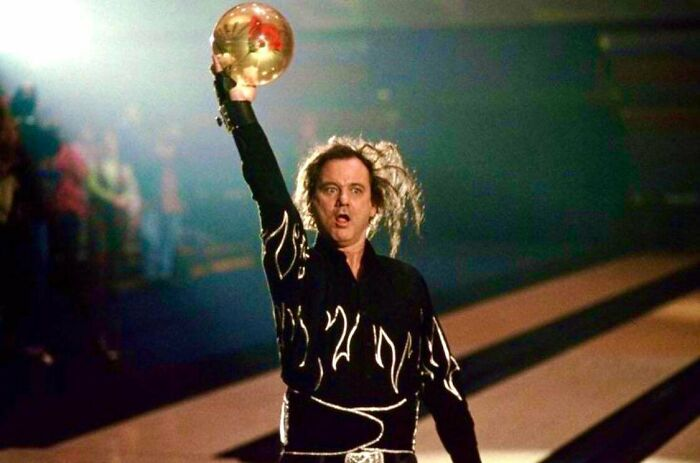 In Kingpin (1996) Bill Murray Plays The Infamous Pro-Bowler Ernie Mccracken. In Addition To Improvising Nearly All Of His Lines, Murray Actually Bowled Three Strikes In A Row On Camera To A Live Audience In One Take. Their Thunderous Applause Was Real