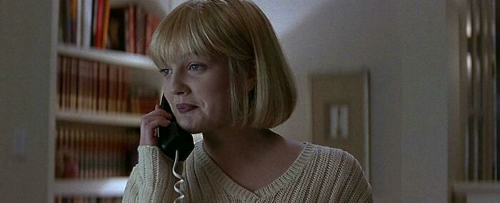 Whilst Filming Scream (1996) Drew Barrymore Accidently Called 911 For Real Several Times. The Prop Master Had Forgotten To Unplug The Phone Before Filming. Barrymore Would Call, Scream And Hang Up. In The Middle Of One Take The Police Rang Back In Confusion To Ask Why They Kept Calling