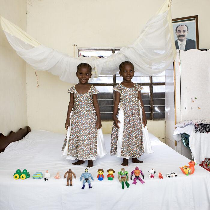 Arafa y Aisha, 4 años, Bububu, Zanzibar