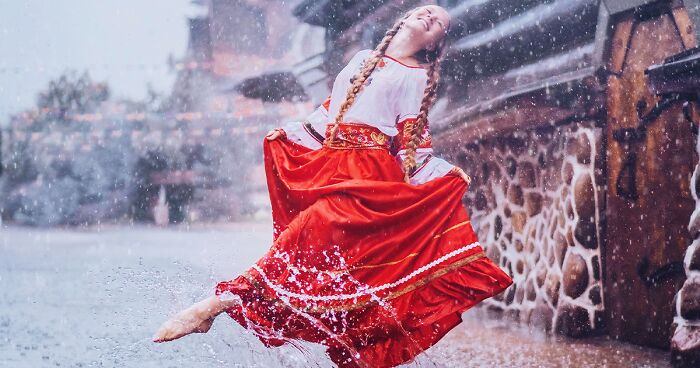 28 Photographs Of Beautiful Women Dancing I Captured While Traveling The World