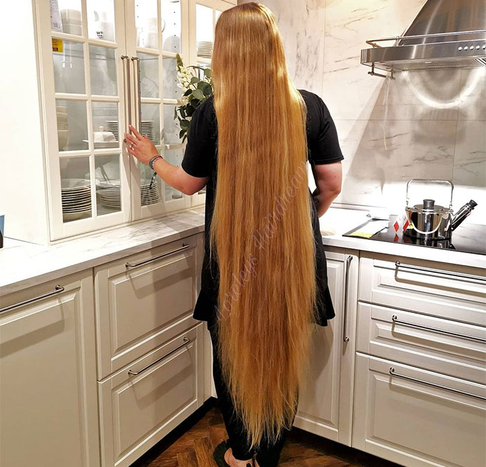 German Real-Life Rapunzel Hasn't Cut Her Hair In 15 Years And It's Now 3 Inches Longer Than She Is