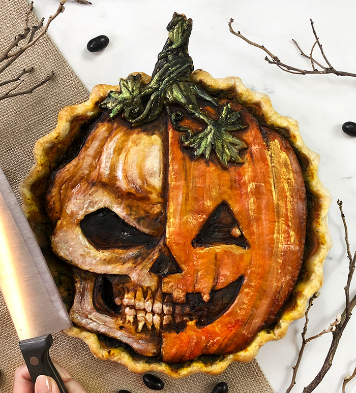 Baker Comes Up With The Spookiest Halloween Pies, And Here Are 29 Of Her Best Ones (New Pics)