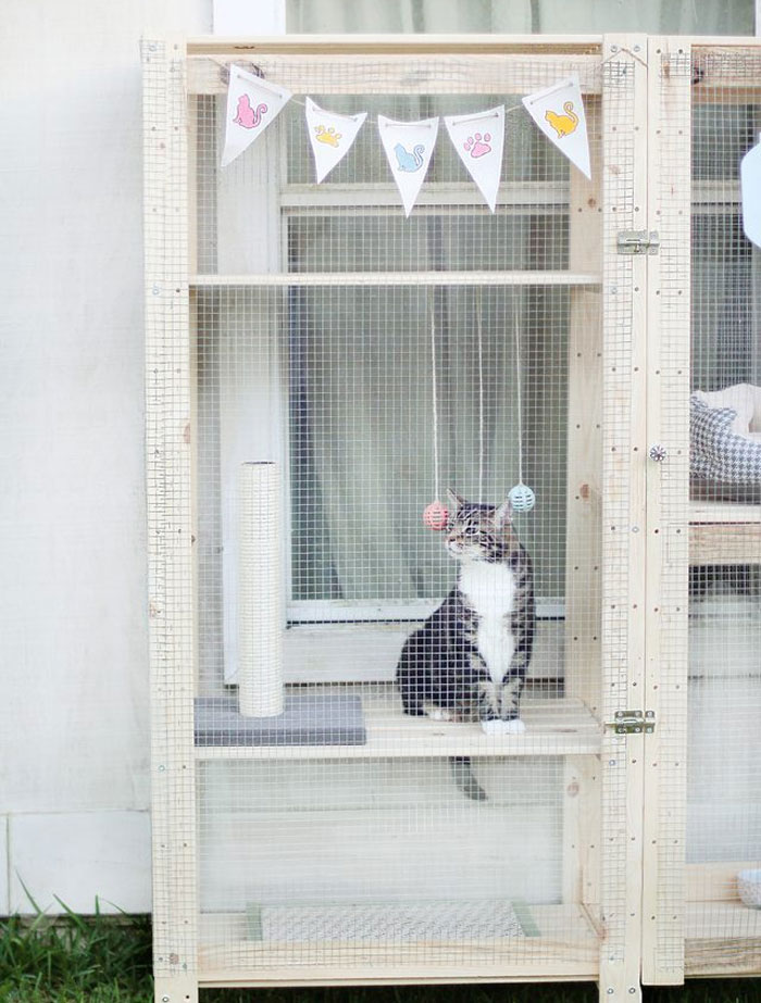 Two Hejne Shelves By IKEA Turned Into An Outside Walking Space For Your Cat