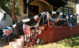 My Wife Built A Tim Burton Inspired Monster To Safely Deliver Candy To Trick-Or-Treaters During The Pandemic (19 Pics)