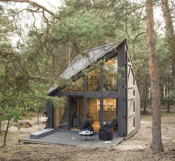 Bookworm Cabin (Poland)