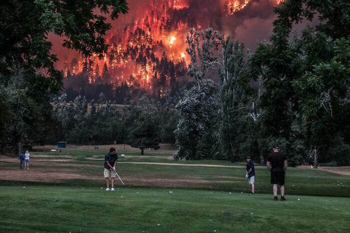 Incendios en Oregón junto a un campo de golf