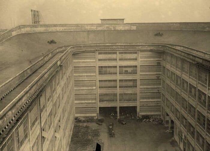 Pista de pruebas en el tejado de la fábrica de Fiat, 1929