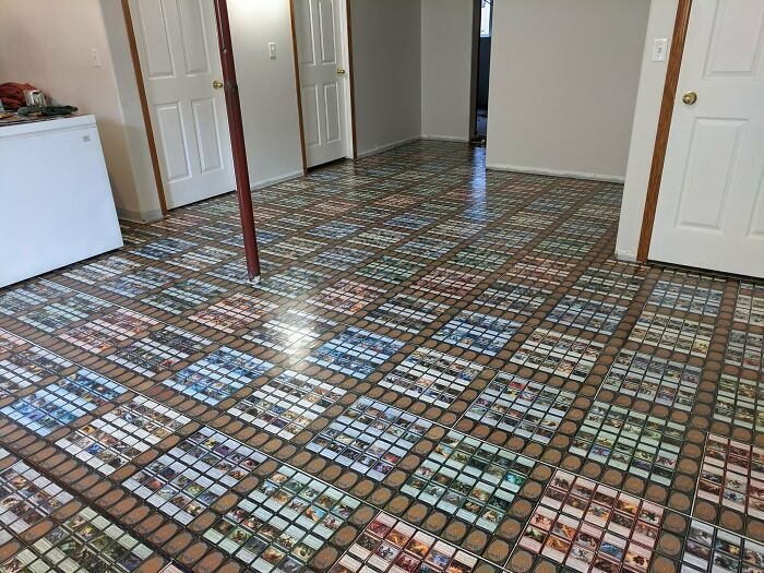 8000 Magic Cards Covering 39m²