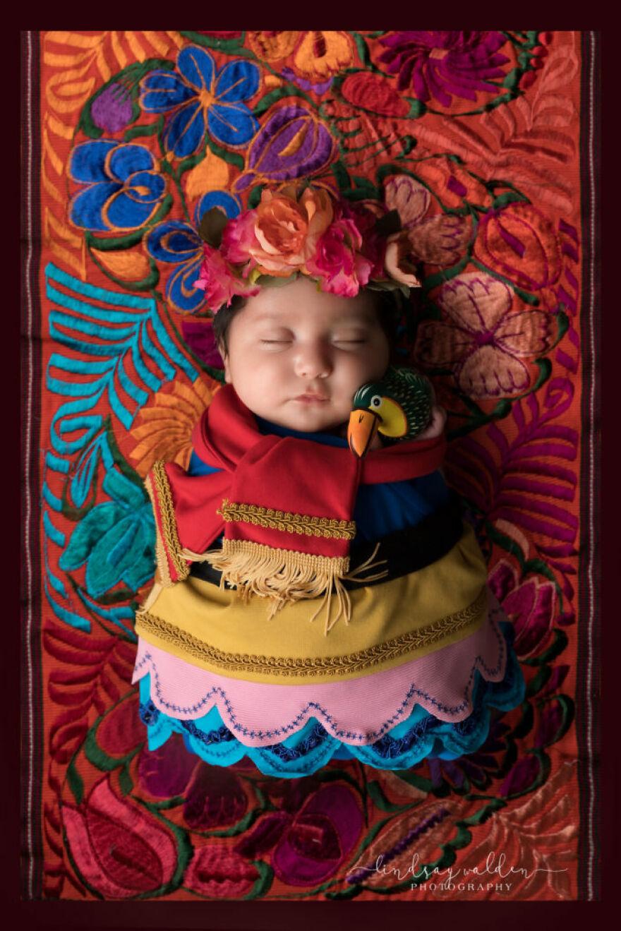 Tiny Frida Kahlo