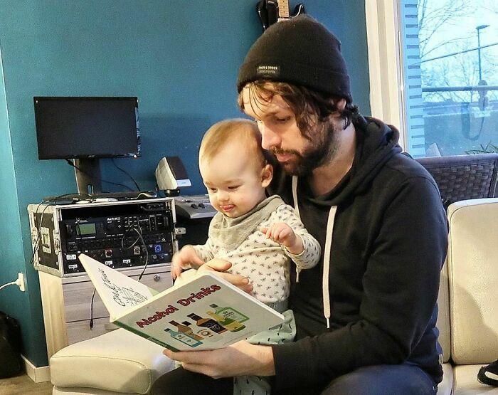 Papá contándome historias