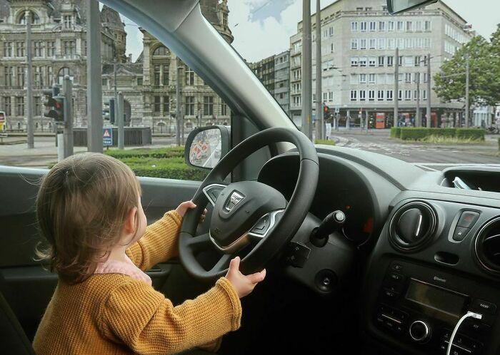 Aprendiendo a conducir, cuanto antes mejor