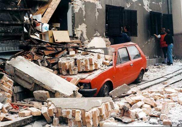 Nacionalni_automobil_Yugo_1999-5fbcadd8a7339.jpg