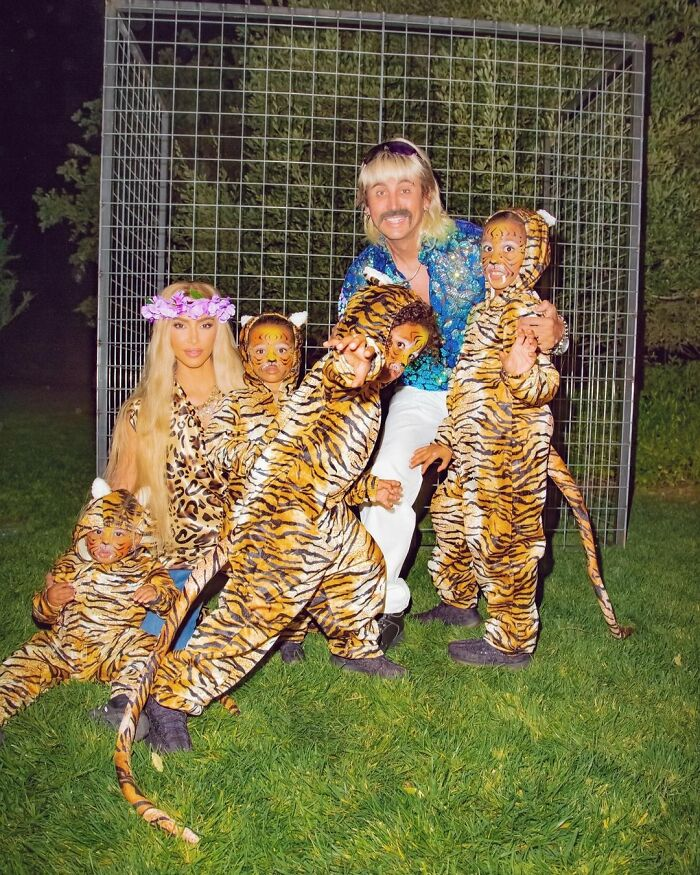Kim Kardashian As Carole Baskin, Joe Exotic And Tigers