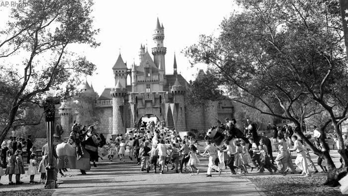 Disneyland, 1955