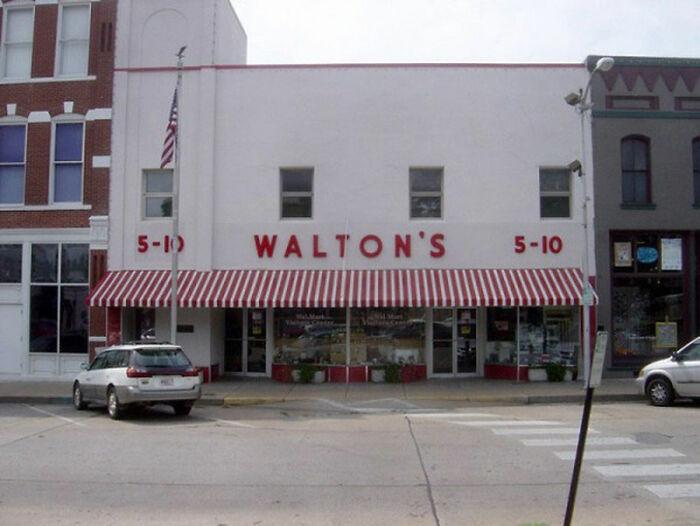Wal-Mart (Walton's), 1962