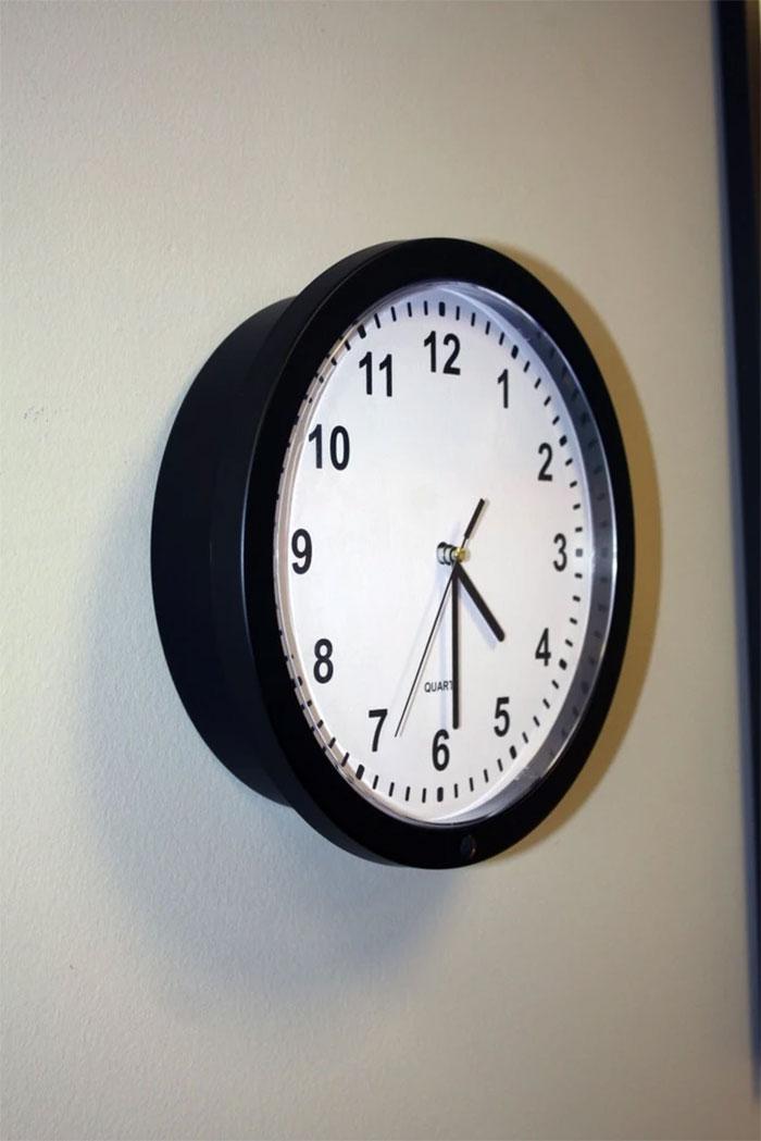 Wall Clock Hidden Camera