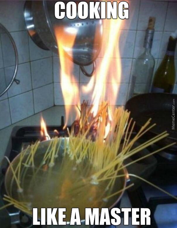 i-burned-water-and-food-was-still-raw-on-table-and-singing-hakuna-matata_o_4460359-5fac715984321.jpg