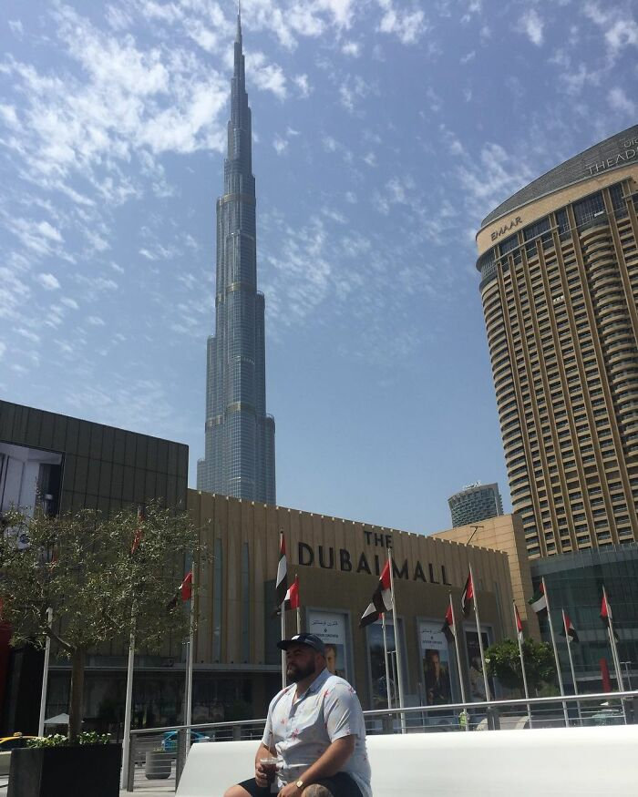 The Dubai Mall - The World's Largest Shopping Mall, Rating 2/10