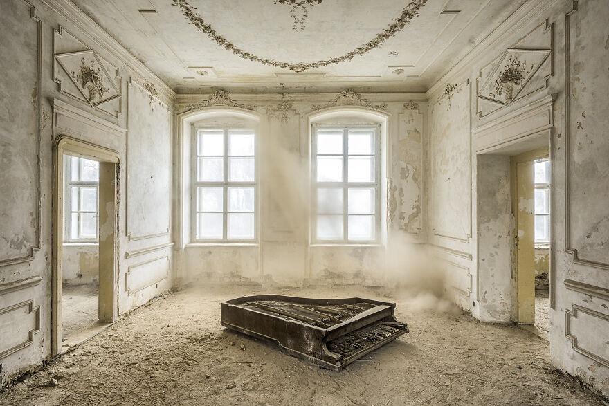 Requiem Pour Pianos 33 - Poland