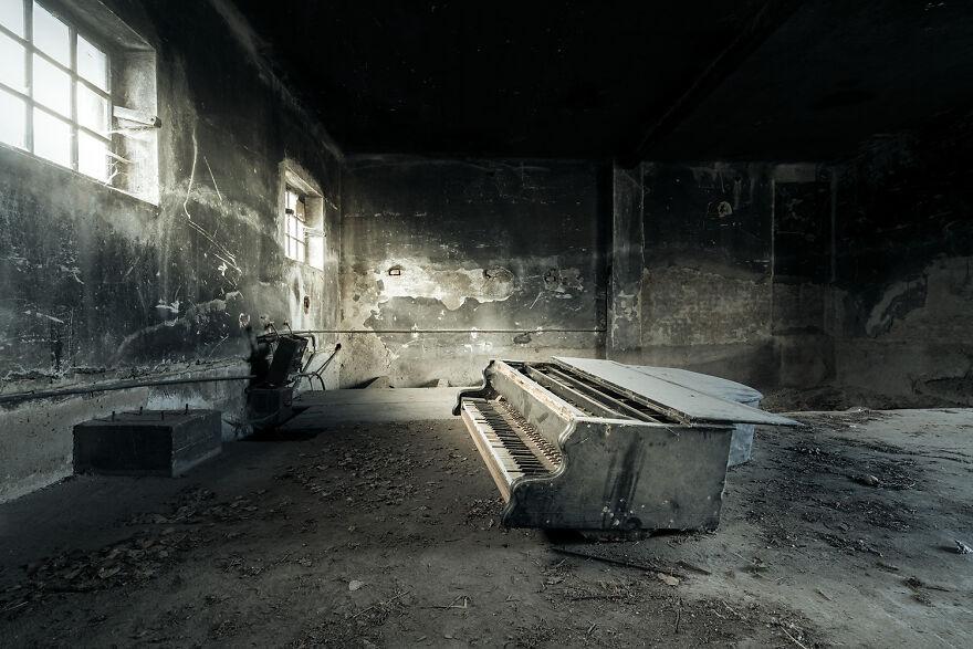Requiem Pour Pianos 93 - Austria