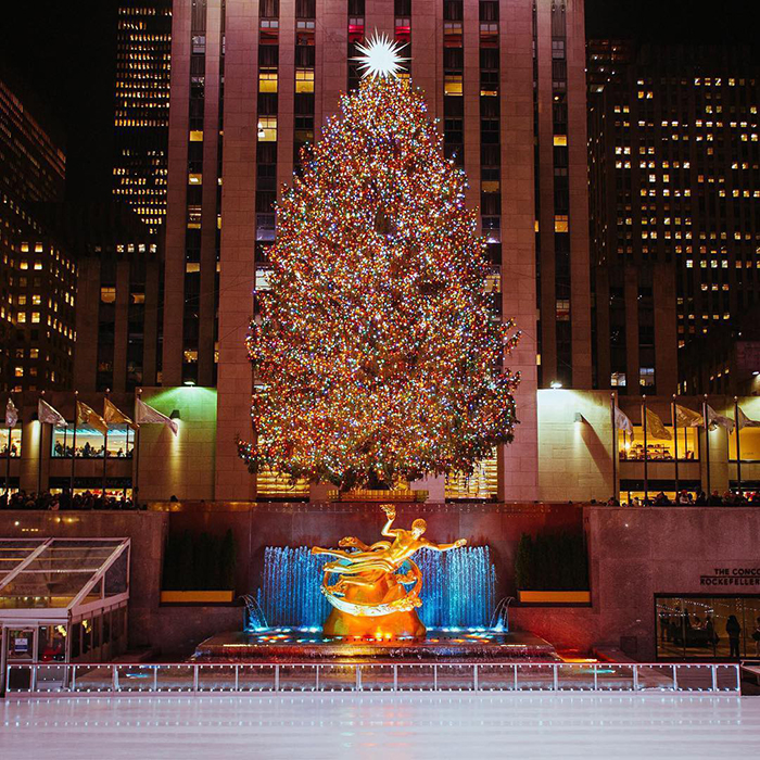 People Are Shaming This Rockefeller Center Christmas Tree