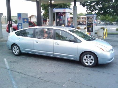 toyota-prius-six-door-limousine-from-jalopnik_100227425_m-5fbbe845f17d3.jpg