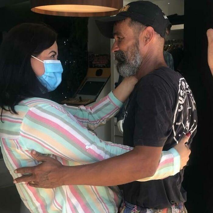 Семья нашла бездомного человека