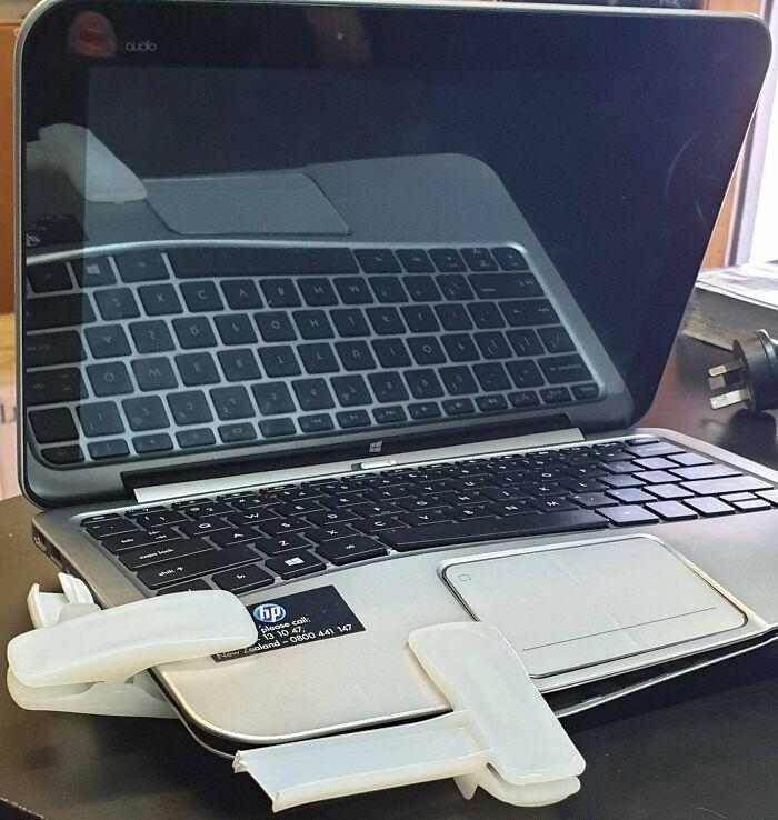 Llevan semanas usando este portátil así