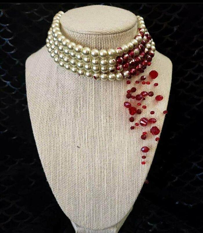 Bleeding Necklace