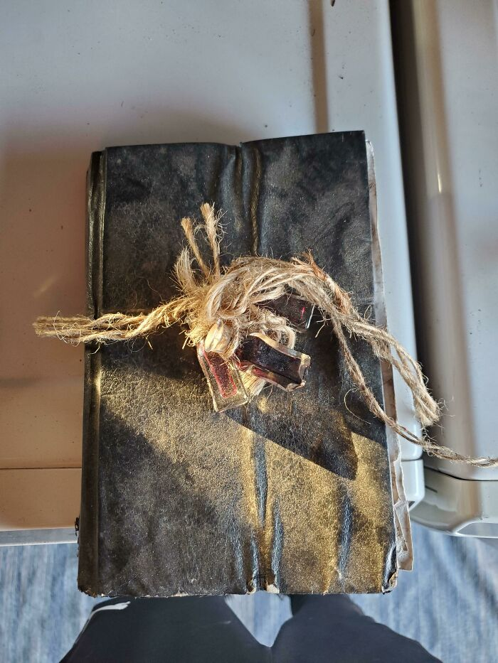 I Found A Old Journal In The Woods Wrapped In Yarn With 3 Vials Of Blood In The Knot