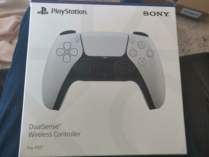 My Parents (Late 70s) Got Me A PS5 Controller For Christmas. I Do Not Own A Playstation 5