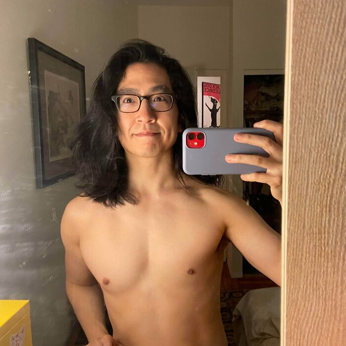 Look, Everyone Else Was Posting Shirtless Selfies And My 40yr-Old Ass Just Wanted To Fit In