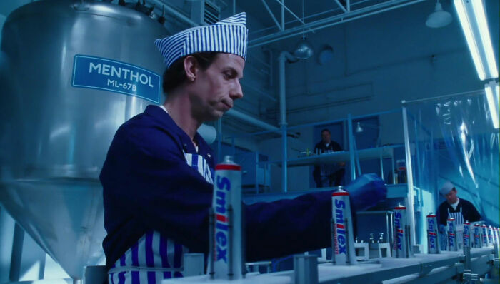 In Charlie And The Chocolate Factory (2005), Charlie's Father Works At The Smilex Toothpaste Factory. Smylex Was The Name Of The Poisonous Gas Created By The Joker In Batman (1989), Also Directed By Tim Burton