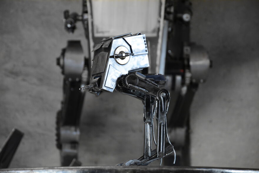Amazing Metal Sculptures Of Chappie And Other Heroes Inspired By Movie Characters (40 Pics)