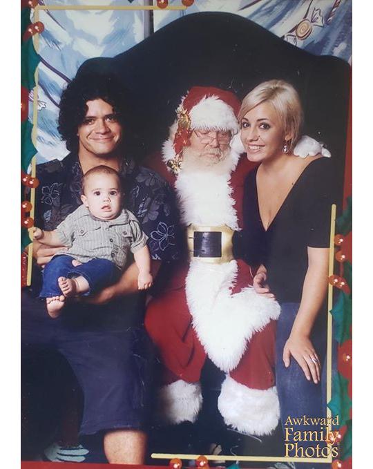 Navidades 2009. Todo pareció salir bien, el niño no lloró, pero la atención de Papá Noel estaba en otra parte