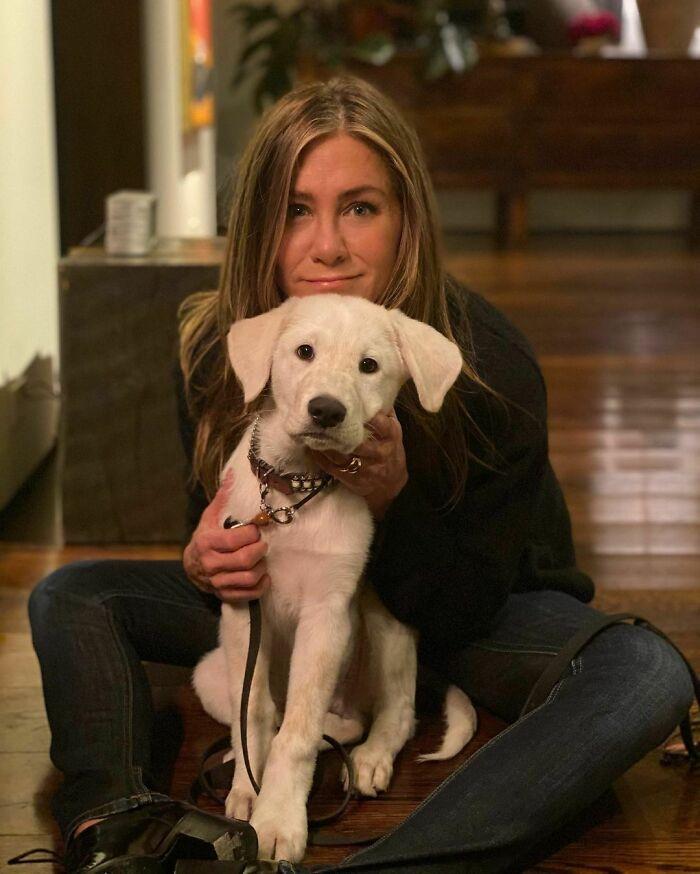 Jennifer Aniston Faces Backlash For Her 'Tone-Deaf' Christmas Decoration