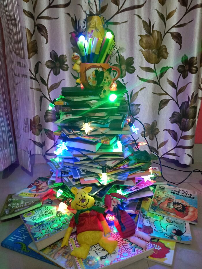 My First Christmas Tree Made With Books And Decorated With My Own Made Tiny Animals 🥰