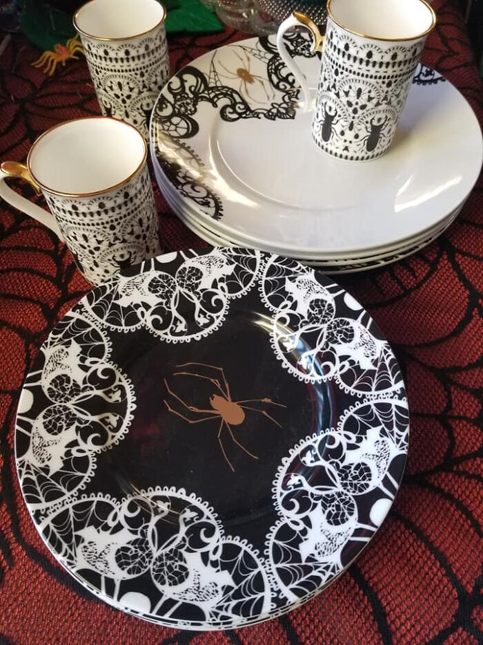 Found These Beautifully Buggy Dishes At Goodwill In Ukiah Ca. Paid 2 Dollars A Plate And 1 Dollar Each For The Cups