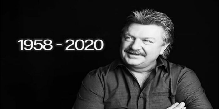 """A Jukebox In Loving Memory Of Joe Diffie Who Died From Covid-19 :'( Also In Memory Of One Of His Greatest Songs By Him Called """"Prop Me Up By The Jukebox If I Die"""" I Know The Lyrics By Heart. If You Have Never Heard It I Recommend Looking It Up On Youtube."""