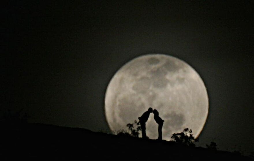 """Meet Zach Cooley, The Photographer Who Calls Himself A """"Moon Chaser"""" (50 Pics)"""
