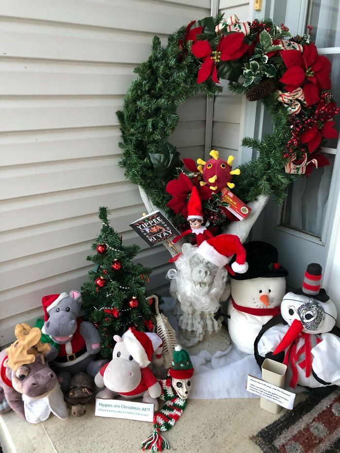 """""""Karen"""" Keeps Leaving Notes Complaining About Woman's Decorations, Woman Responds By Adding Even More 40"""