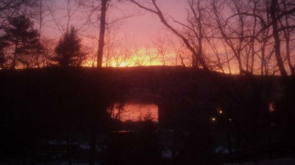 cold-sunrise-over-lake-5fe7c78b1d091.jpg