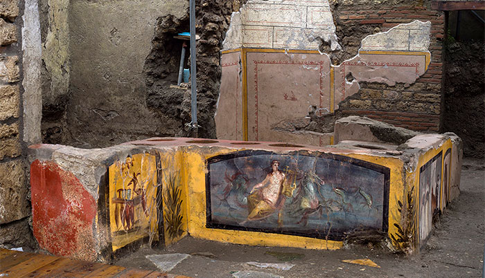 "A ""Fast Food"" Shop Is Uncovered In Pompeii, Depicting Some Of The Dishes They Would Eat"
