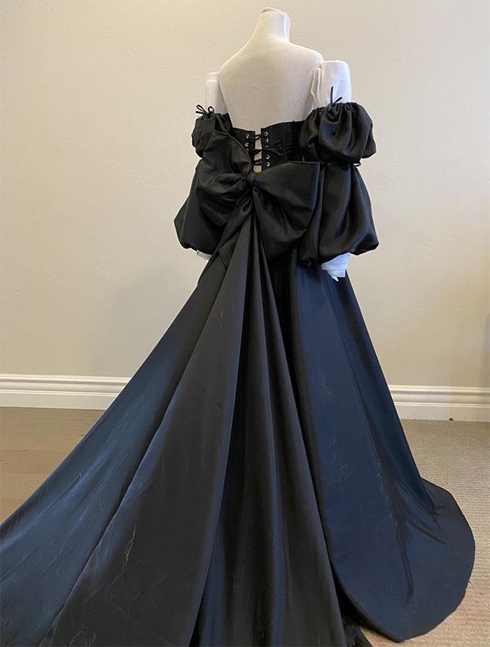 Vestido Negro De Cola De 4,5 Metros