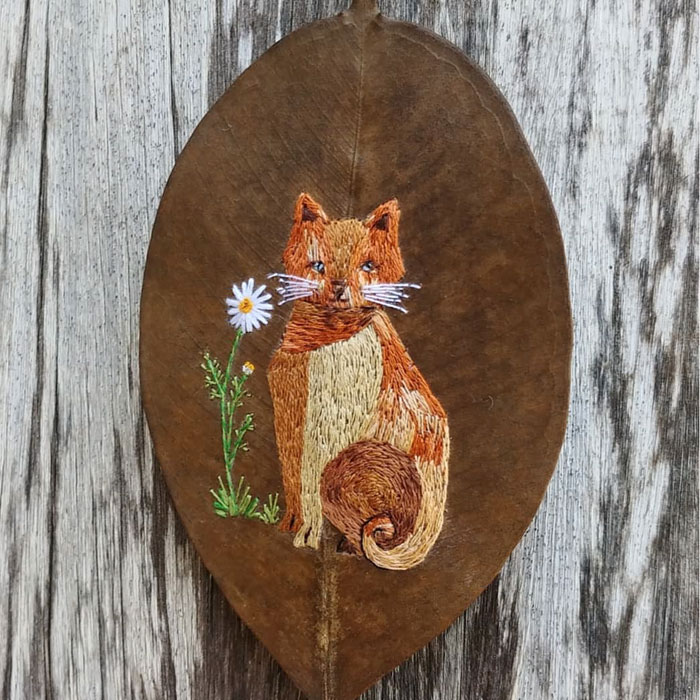 This Brazilian Artist Creates Unique Designs Of Embroidery On Fallen Leaves (109 Pics)
