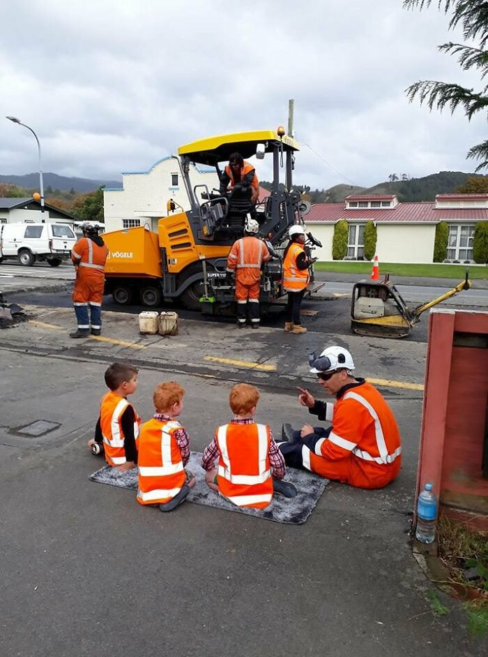 When Road Workers Find Time To Explain To The Neighborhood Kids How Roads Work