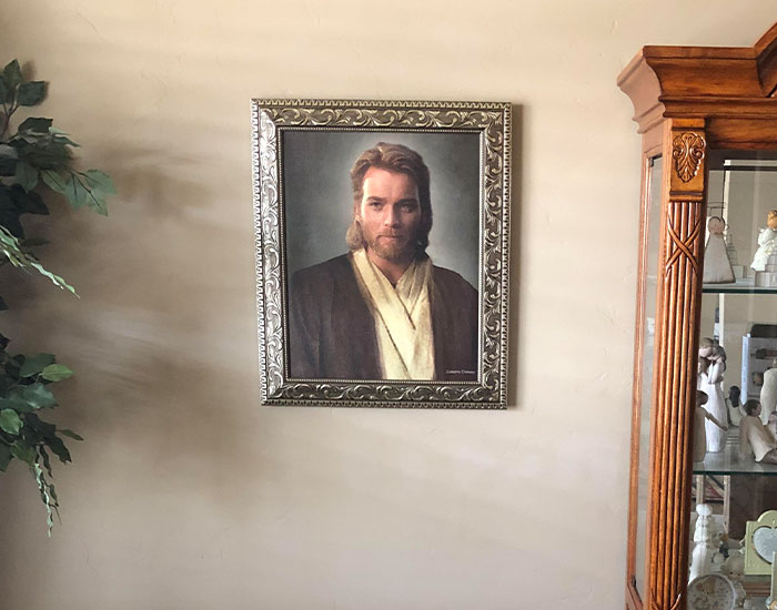 Guy Gives Mormon Parents Obi-Wan Kenobi Portrait, Mom Hangs It, Thinking It's Jesus Christ